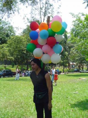 Imágenes de la Compañía 10/ día de la danza parque cuscatlán